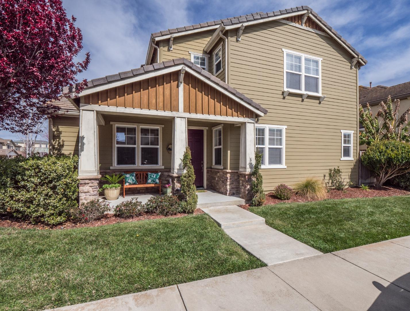 Detail Gallery Image 1 of 59 For 322 San Luis Ave, Watsonville,  CA 95076 - 4 Beds | 2/1 Baths