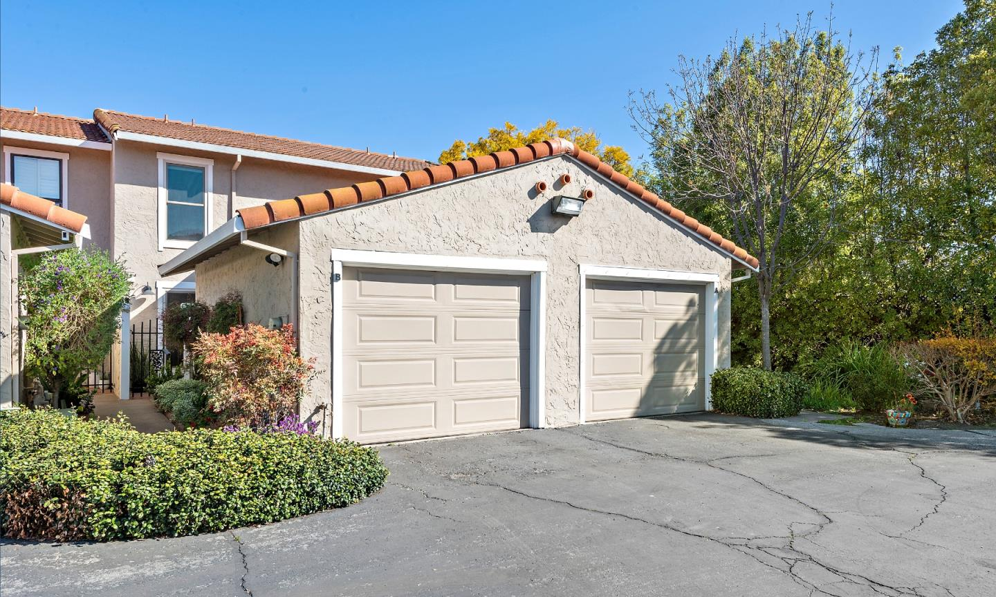 Detail Gallery Image 1 of 1 For 433 W Rincon Ave #B,  Campbell,  CA 95008 - 2 Beds | 1/1 Baths