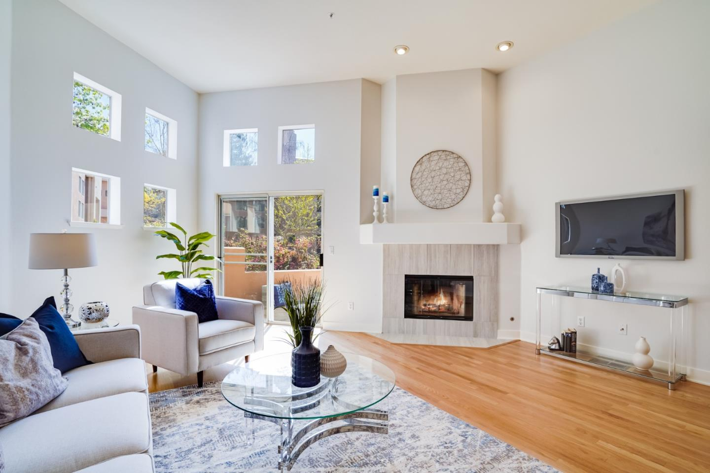 Detail Gallery Image 1 of 1 For 993 Asilomar Ter #3,  Sunnyvale,  CA 94086 - 2 Beds | 2/1 Baths