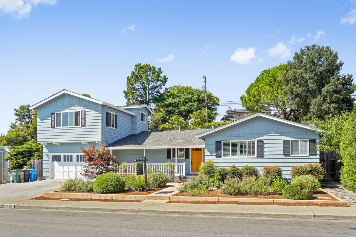 Detail Gallery Image 1 of 1 For 920 Pleasant Hill Rd, Redwood City,  CA 94061 - 4 Beds | 3/1 Baths