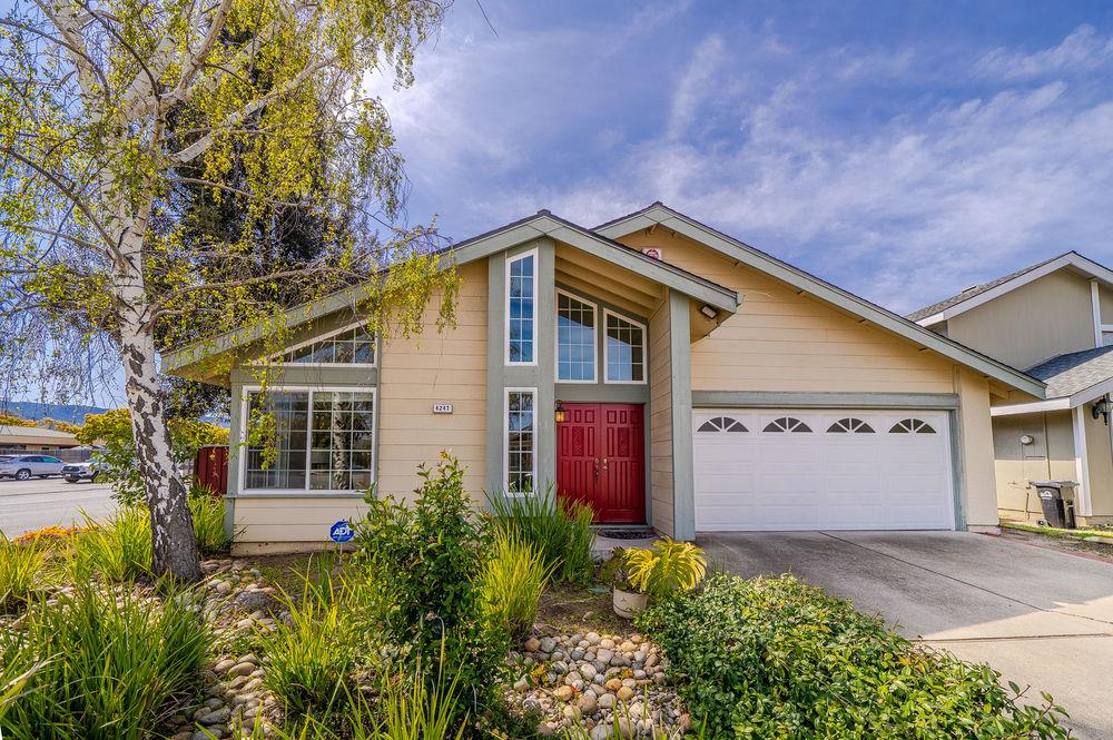 Detail Gallery Image 1 of 1 For 4247 Ranwick Ct, San Jose,  CA 95118 - 3 Beds | 2 Baths
