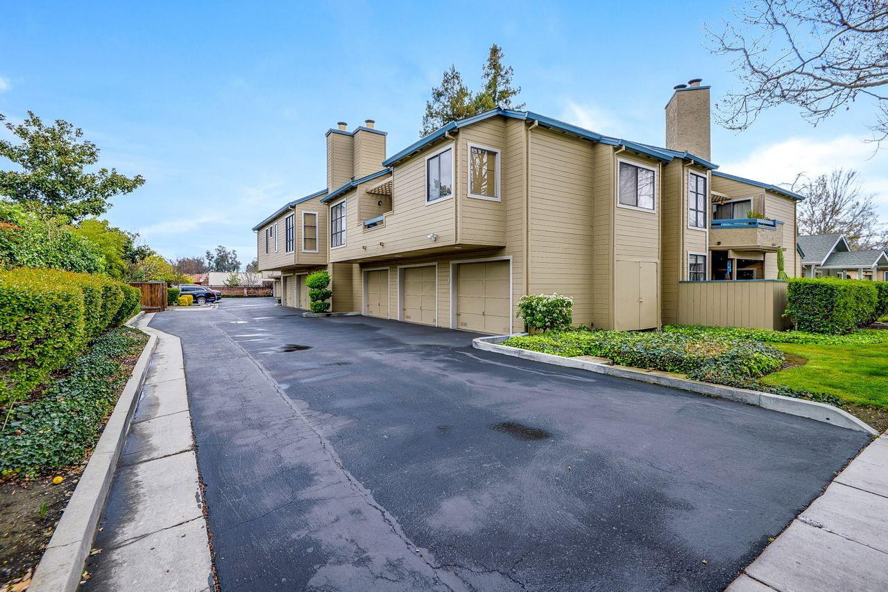Detail Gallery Image 1 of 28 For 980 Silicon Dr, San Jose,  CA 95126 - 2 Beds | 2 Baths