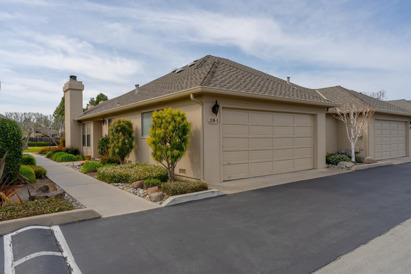Detail Gallery Image 1 of 1 For 118 Nissen Rd #1,  Salinas,  CA 93901 - 2 Beds | 2 Baths