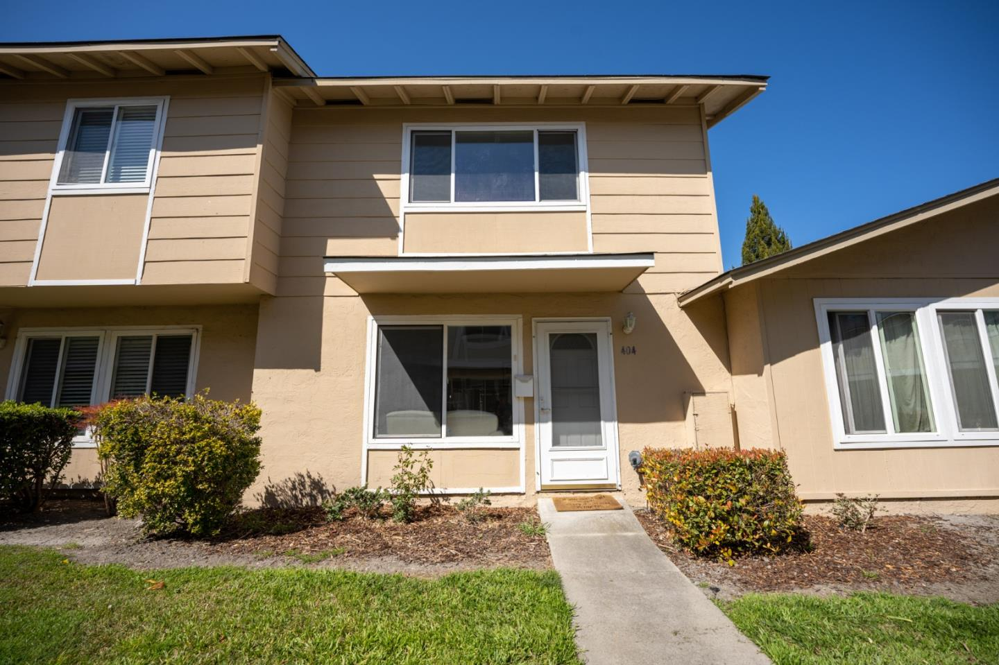 Detail Gallery Image 1 of 30 For 404 Don Carlos Ct, San Jose,  CA 95123 - 2 Beds | 1/1 Baths