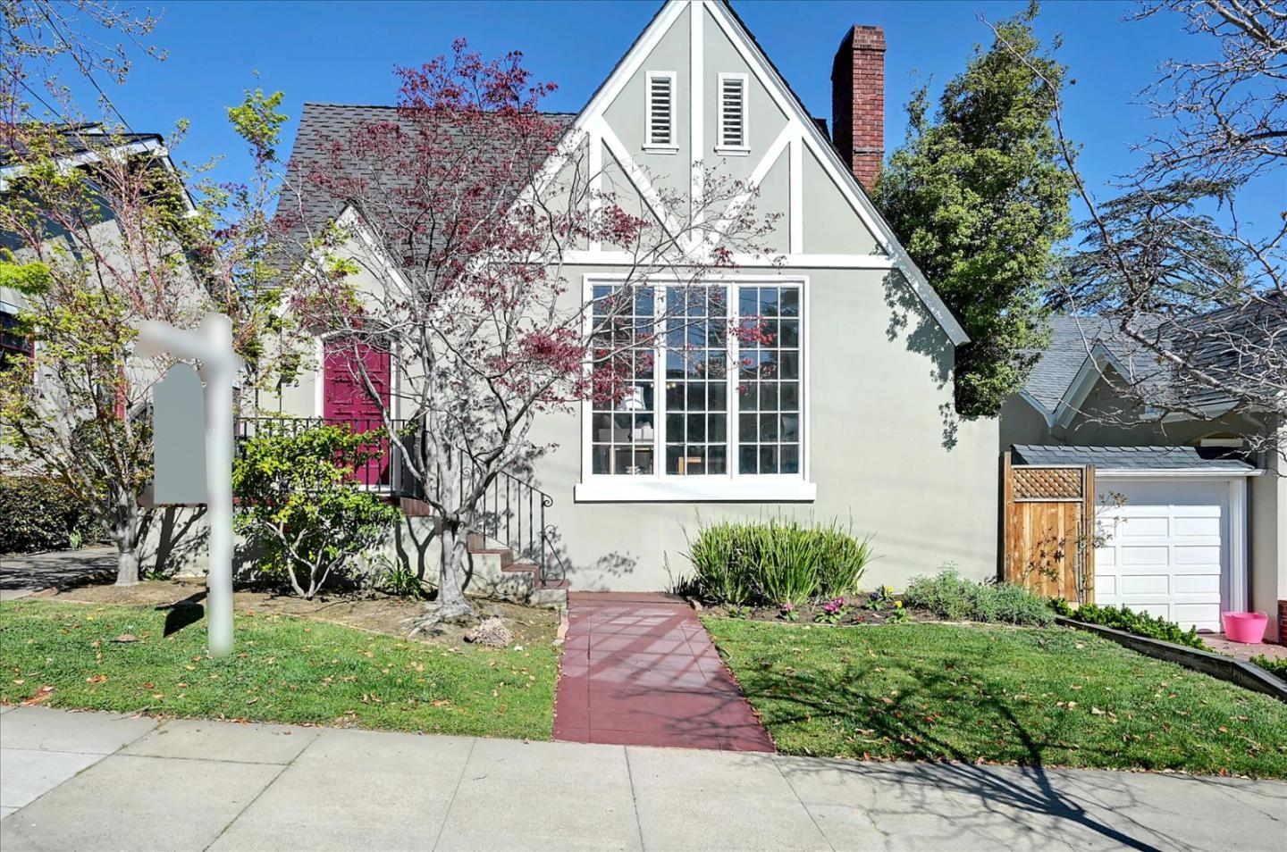 Detail Gallery Image 1 of 1 For 22 Engle Rd, San Mateo,  CA 94402 - 2 Beds | 2 Baths