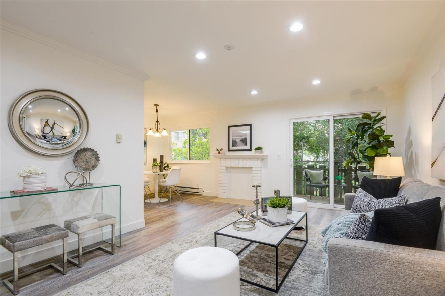 Detail Gallery Image 1 of 26 For 1070 Mercedes Ave #21,  Los Altos,  CA 94022 - 2 Beds   2 Baths