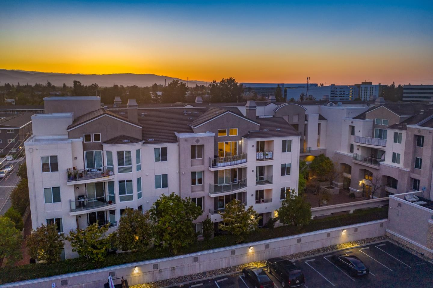 Detail Gallery Image 1 of 1 For 912 Campisi Way #414,  Campbell,  CA 95008 - 2 Beds | 2 Baths