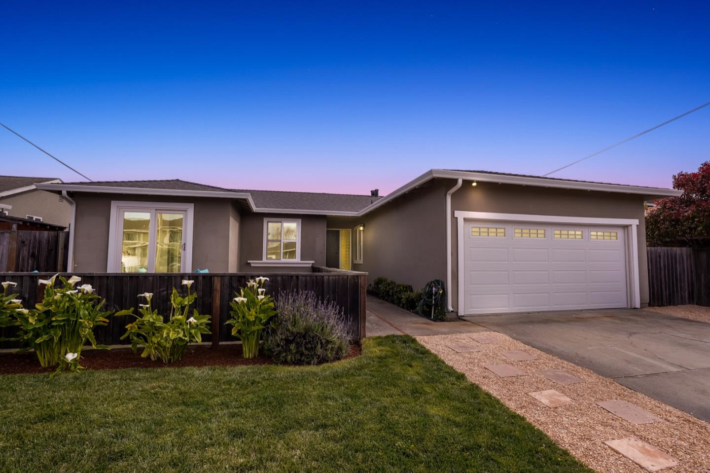 Detail Gallery Image 1 of 1 For 1009 Golden Gate Ave, Half Moon Bay,  CA 94019 - 4 Beds   2 Baths