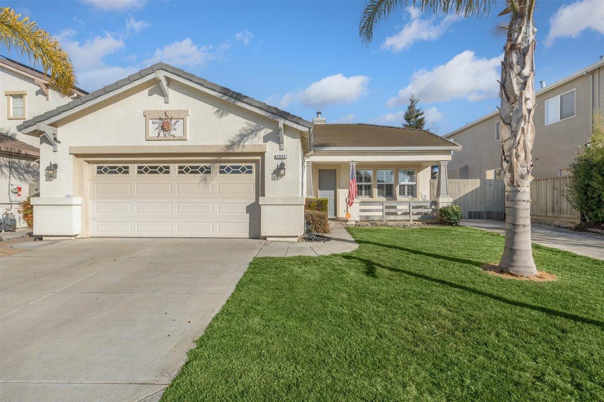 Detail Gallery Image 1 of 18 For 1521 Liberty Ct, Hollister,  CA 95023 - 3 Beds | 2 Baths