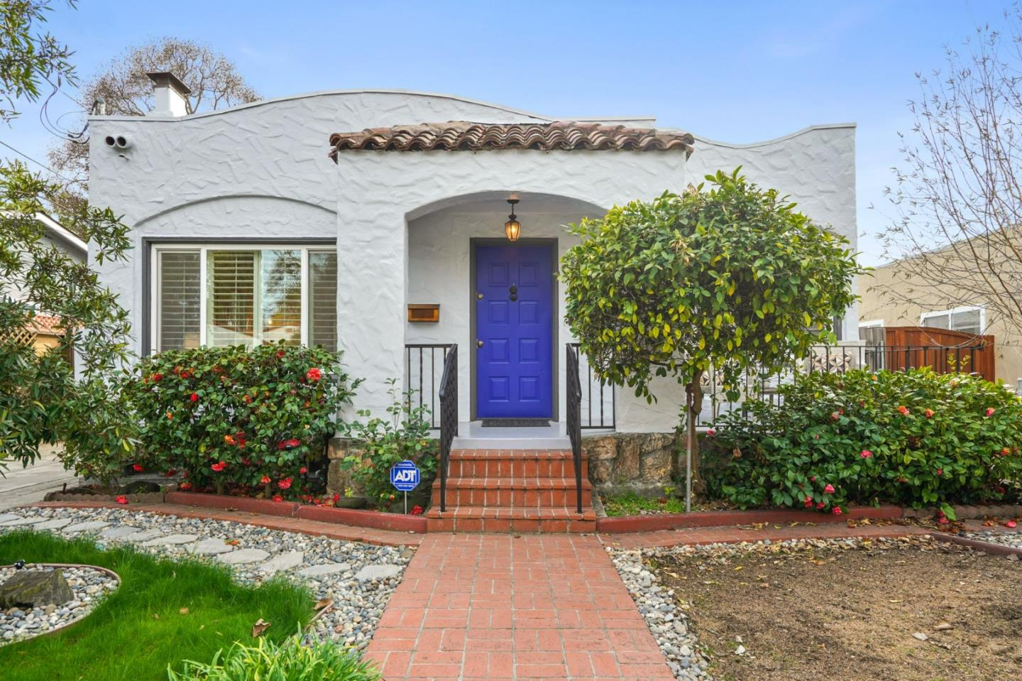 Detail Gallery Image 1 of 1 For 1186 Cleveland St, Redwood City,  CA 94061 - 3 Beds | 2/1 Baths