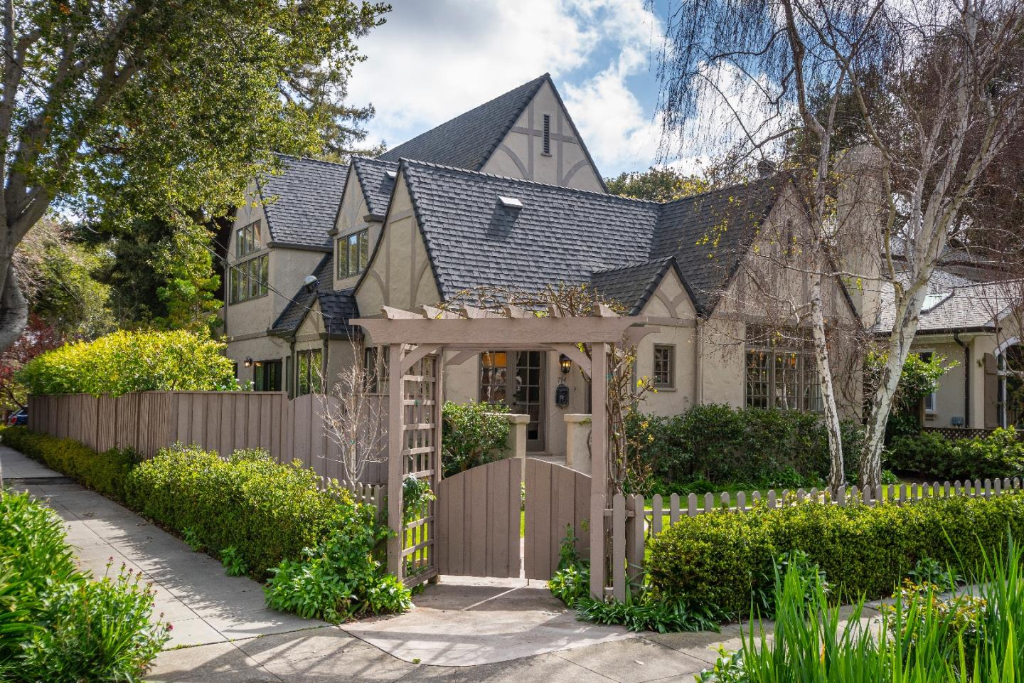 Detail Gallery Image 1 of 1 For 794 Melville Ave, Palo Alto,  CA 94301 - 5 Beds   4 Baths