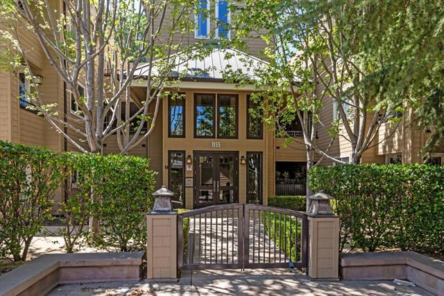 Detail Gallery Image 1 of 19 For 1155 Merrill St #104,  Menlo Park,  CA 94025 - 2 Beds | 2 Baths
