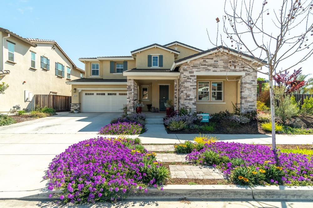 Detail Gallery Image 1 of 75 For 960 Puma Way, Gilroy,  CA 95020 - 4 Beds   3/1 Baths