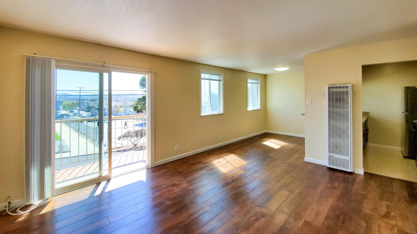 Detail Gallery Image 1 of 15 For 220 N Parkview Ave #APT 1,  Daly City,  CA 94014 - 2 Beds | 1 Baths