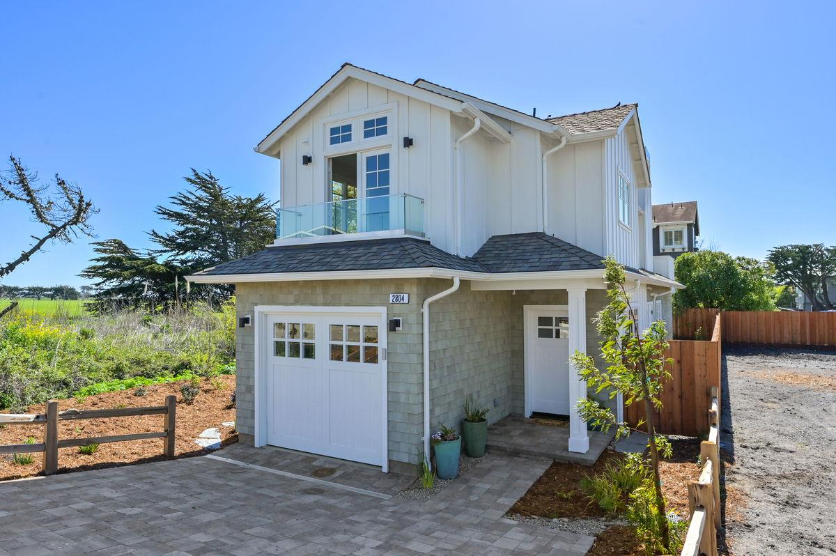 Detail Gallery Image 1 of 1 For 2804 Champs Elysee Blvd, Half Moon Bay,  CA 94019 - 2 Beds | 2 Baths