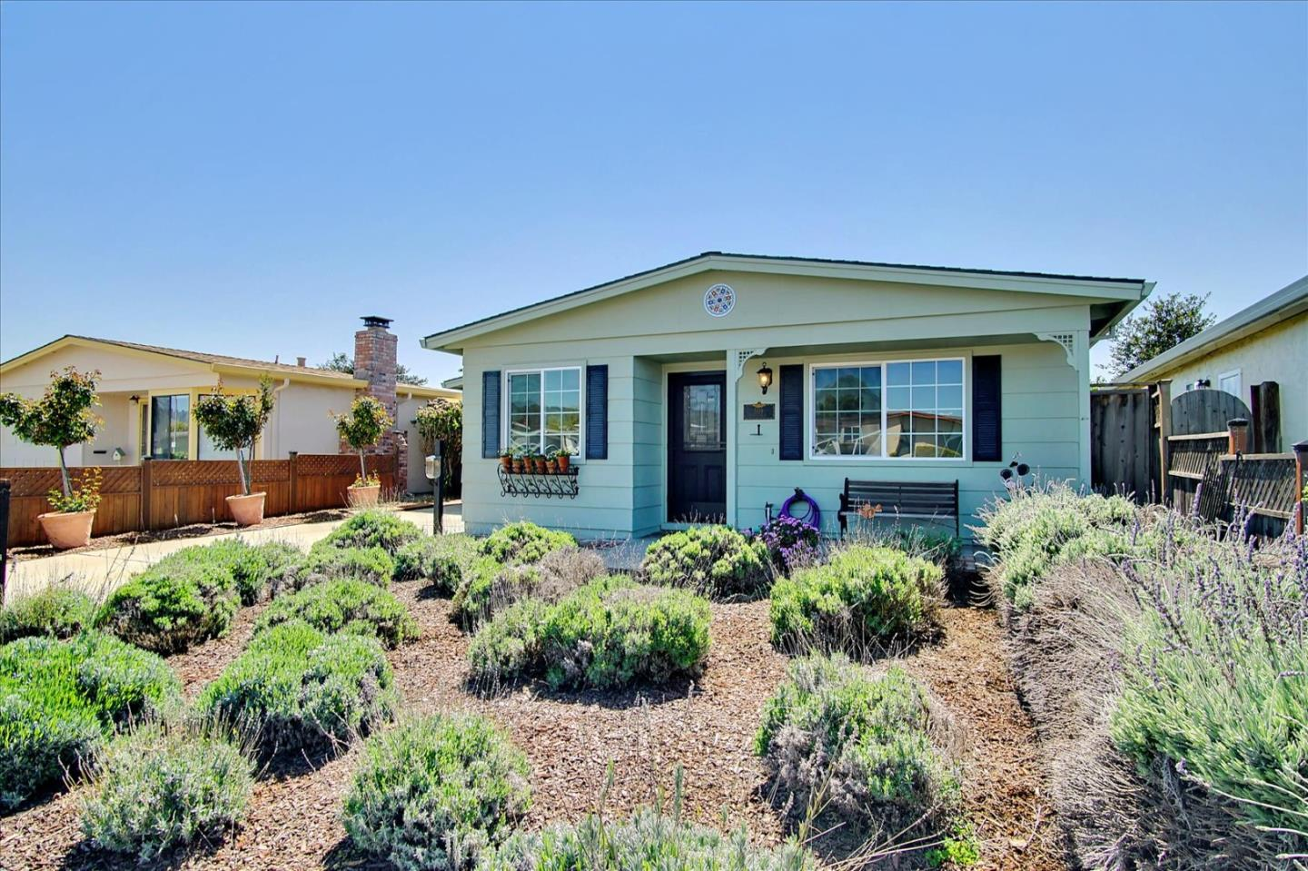 Detail Gallery Image 1 of 32 For 509 Cedar Dr, Watsonville,  CA 95076 - 2 Beds | 1 Baths