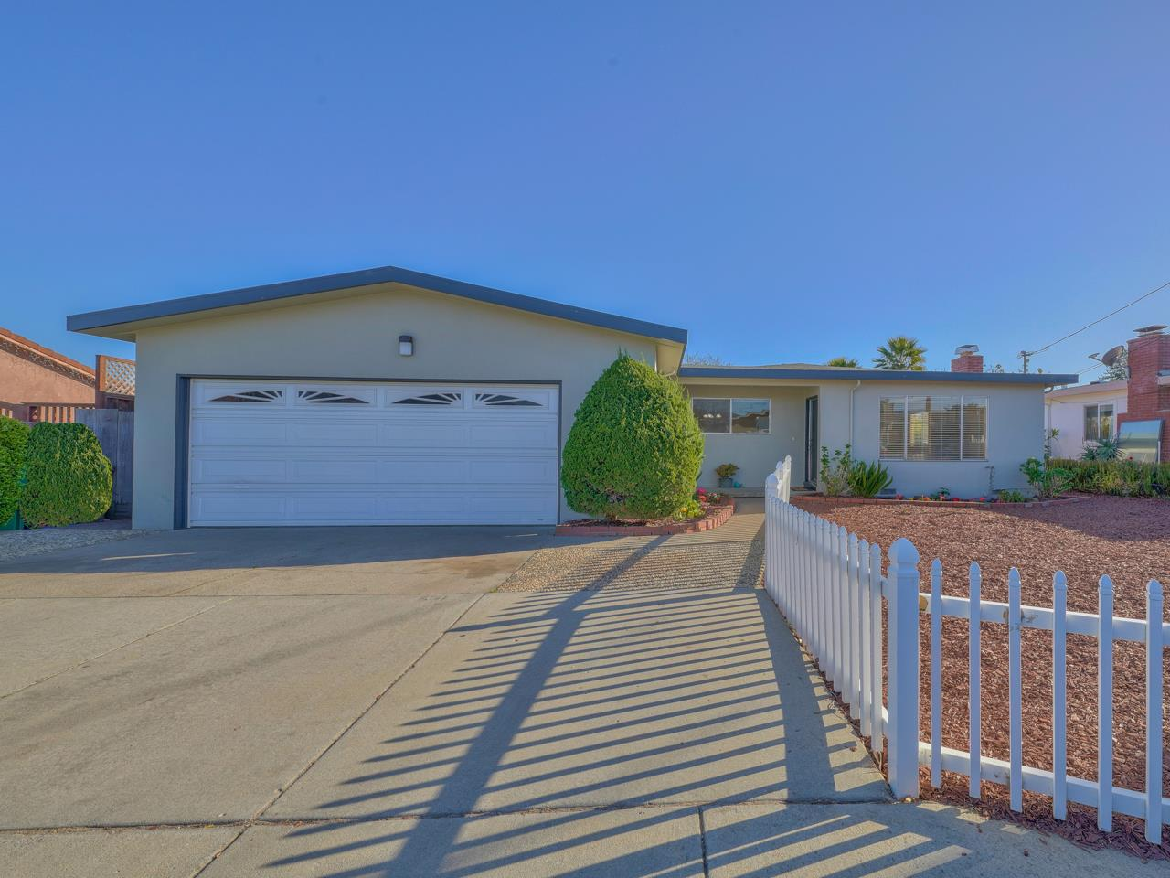 Detail Gallery Image 1 of 1 For 18 Paulsen Rd, Watsonville,  CA 95076 - 3 Beds | 2 Baths