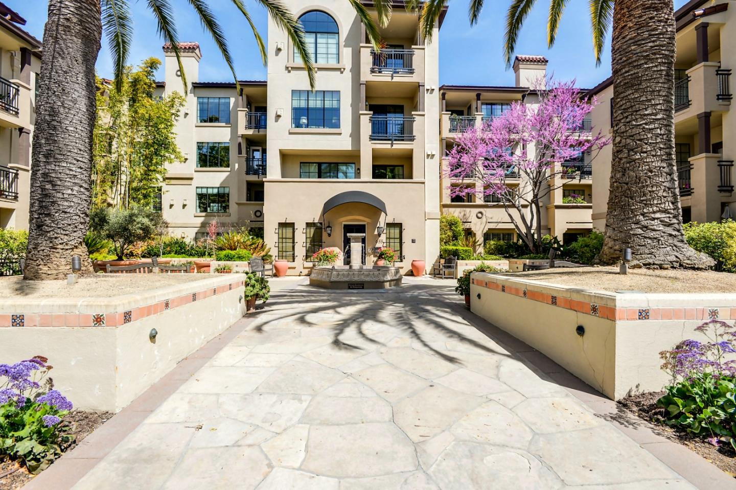 Detail Gallery Image 1 of 1 For 633 Elm St #214,  San Carlos,  CA 94070 - 1 Beds | 1 Baths