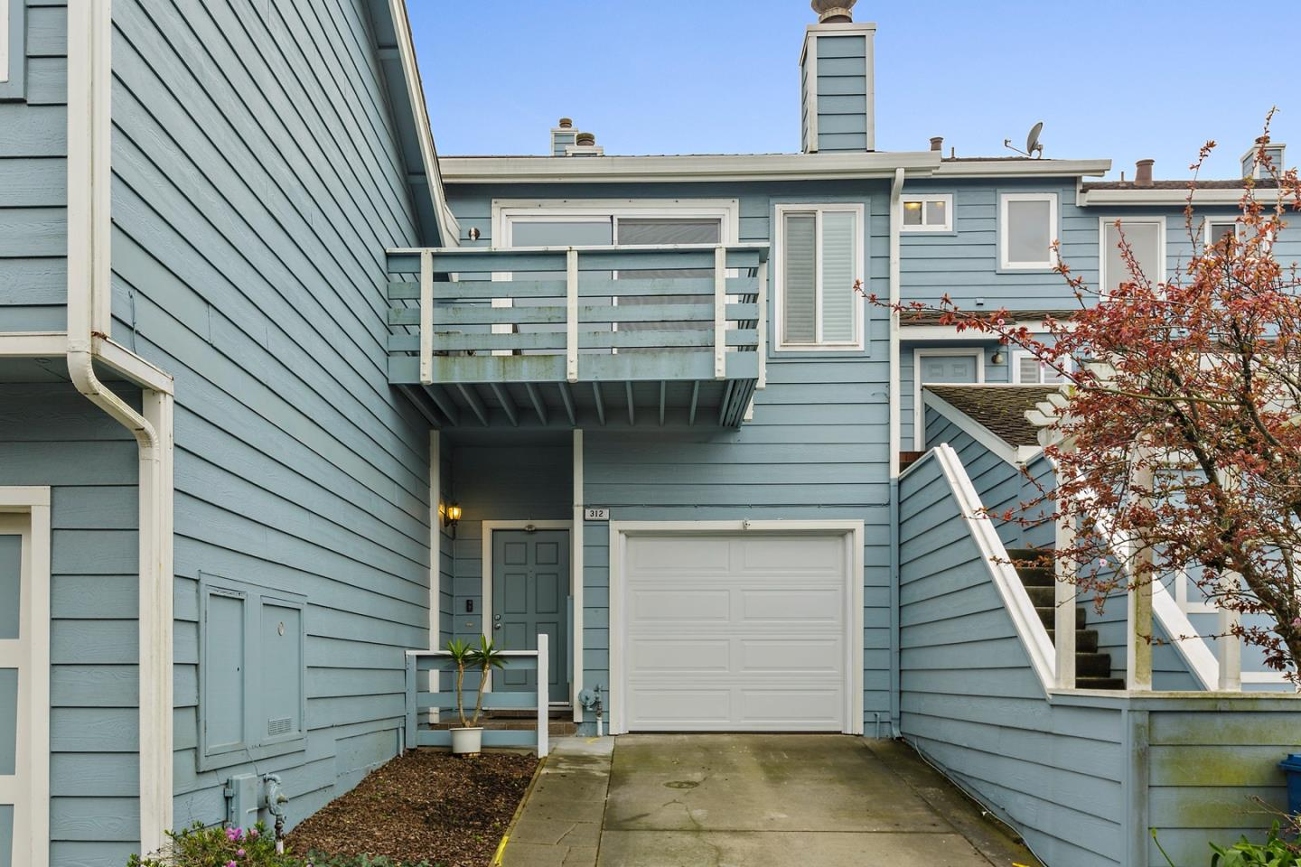 Detail Gallery Image 1 of 22 For 312 Barbara Ln, Daly City,  CA 94015 - 3 Beds | 2/1 Baths