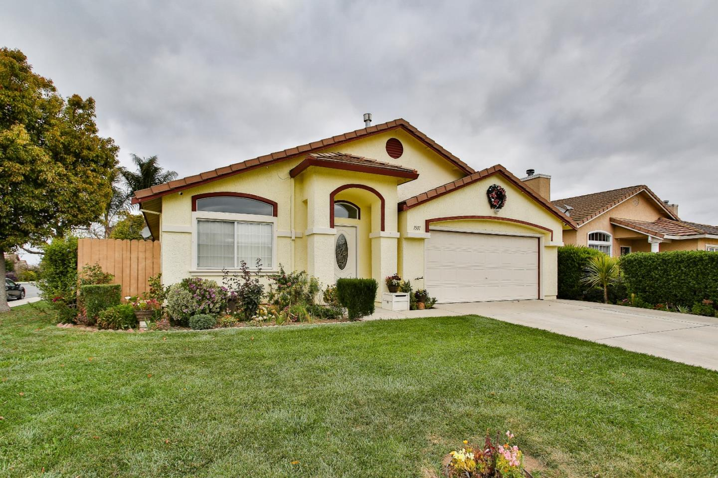 Detail Gallery Image 1 of 1 For 1501 Antelope Dr, Salinas,  CA 93905 - 4 Beds   2 Baths