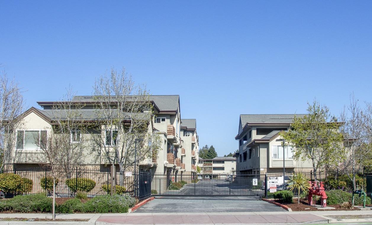 Detail Gallery Image 1 of 32 For 308 River St #B16,  Santa Cruz,  CA 95060 - 1 Beds | 1 Baths