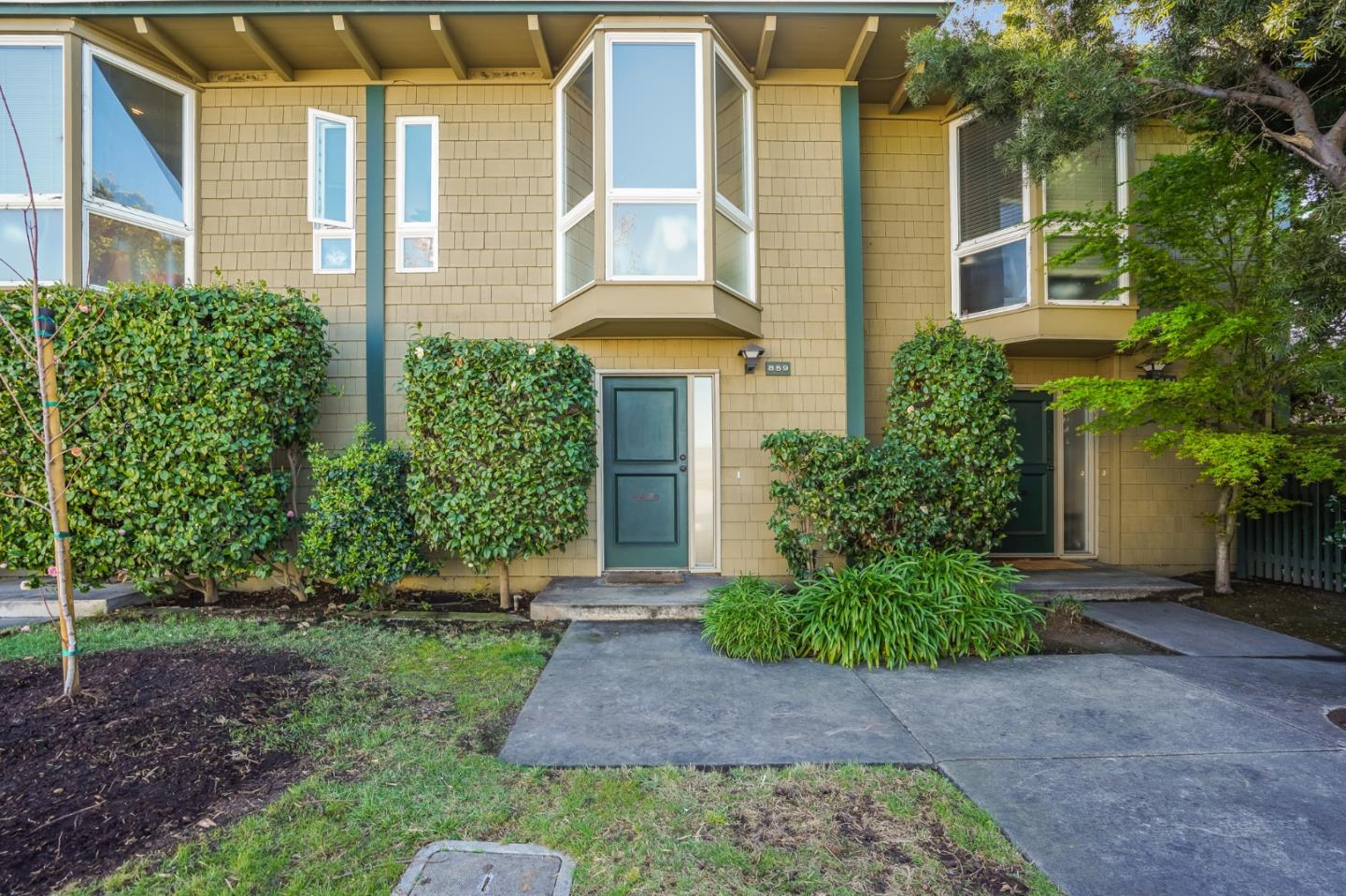 Detail Gallery Image 1 of 18 For 859 N Humboldt St, San Mateo,  CA 94401 - 2 Beds | 1/1 Baths
