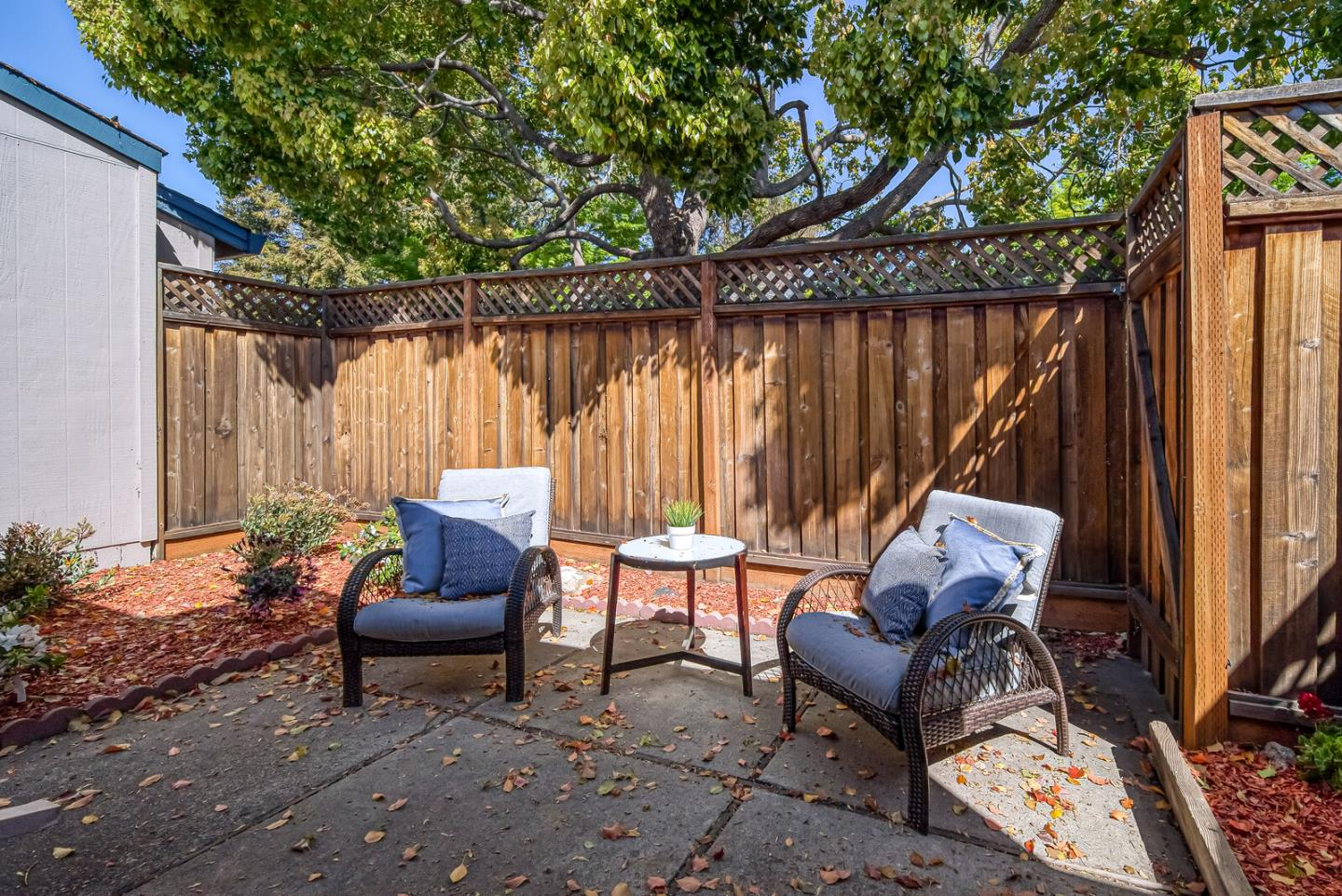 Detail Gallery Image 1 of 42 For 1431 Woodgrove Sq, San Jose,  CA 95117 - 2 Beds | 2 Baths