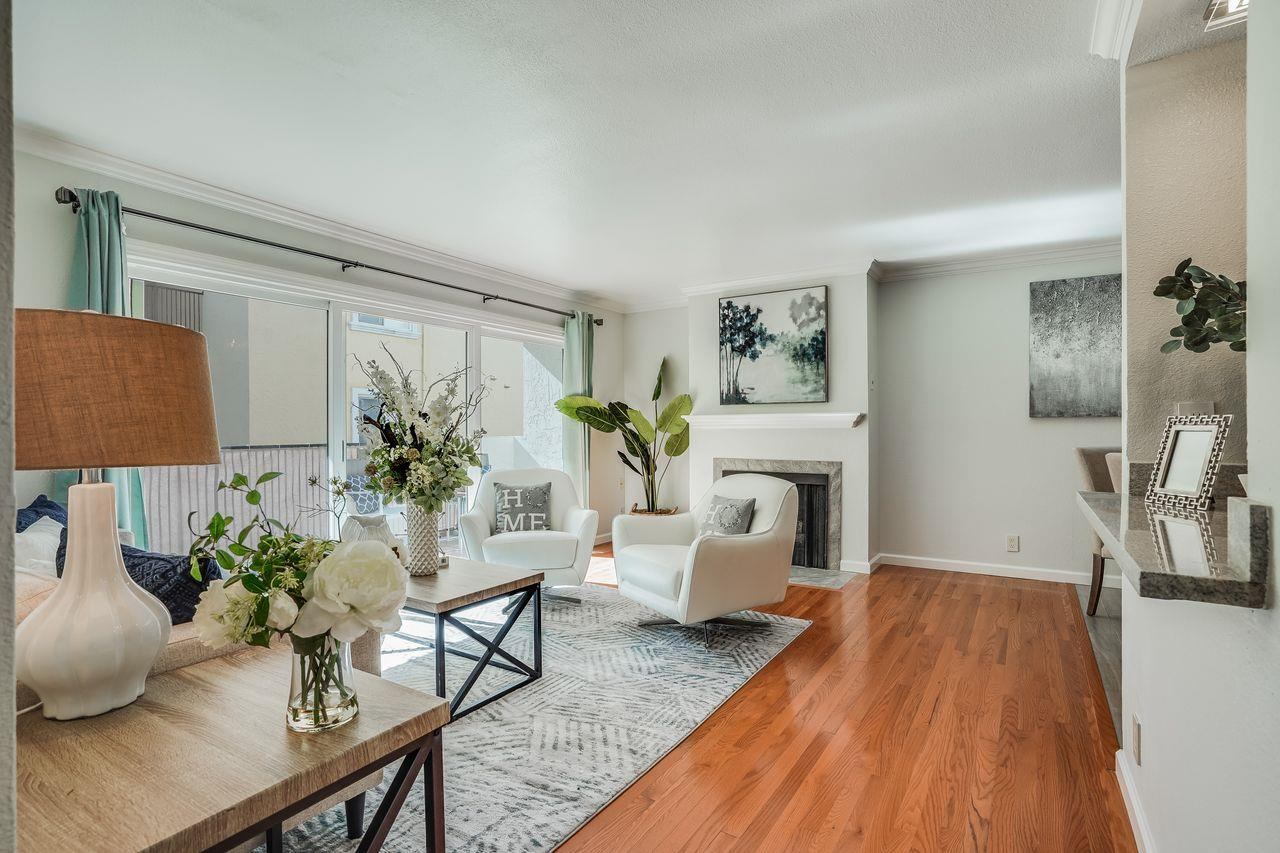 Detail Gallery Image 1 of 29 For 1471 El Camino Real #4,  Burlingame,  CA 94010 - 2 Beds   1 Baths