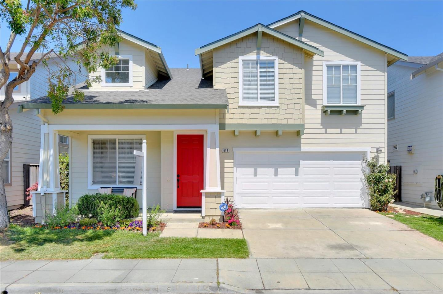 Detail Gallery Image 1 of 1 For 917 Oakes St, East Palo Alto,  CA 94303 - 4 Beds   2/1 Baths
