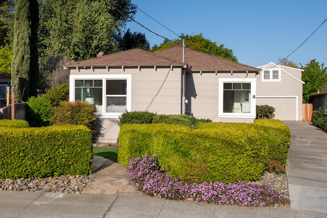 Detail Gallery Image 1 of 1 For 8 Oak Ct, Sunnyvale,  CA 94086 - 3 Beds | 2 Baths