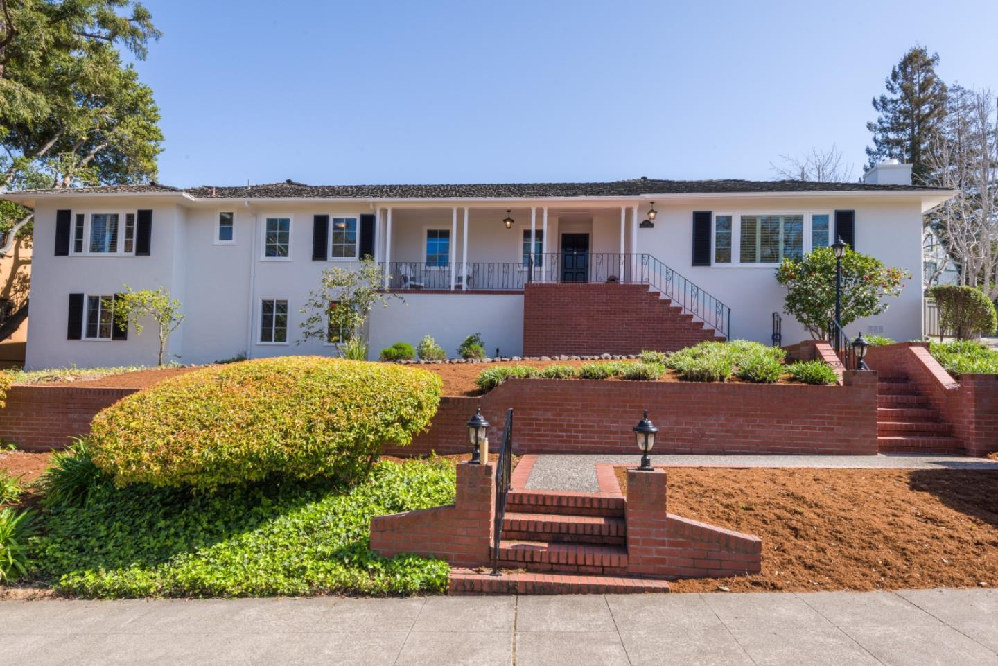 Detail Gallery Image 1 of 41 For 491 Parrott Dr, San Mateo,  CA 94402 - 4 Beds | 3/1 Baths