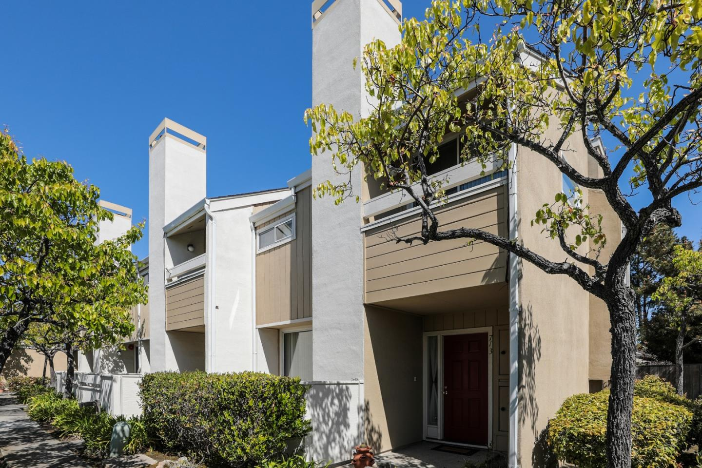 Detail Gallery Image 1 of 19 For 713 Foster City Blvd, Foster City,  CA 94404 - 3 Beds | 2/1 Baths