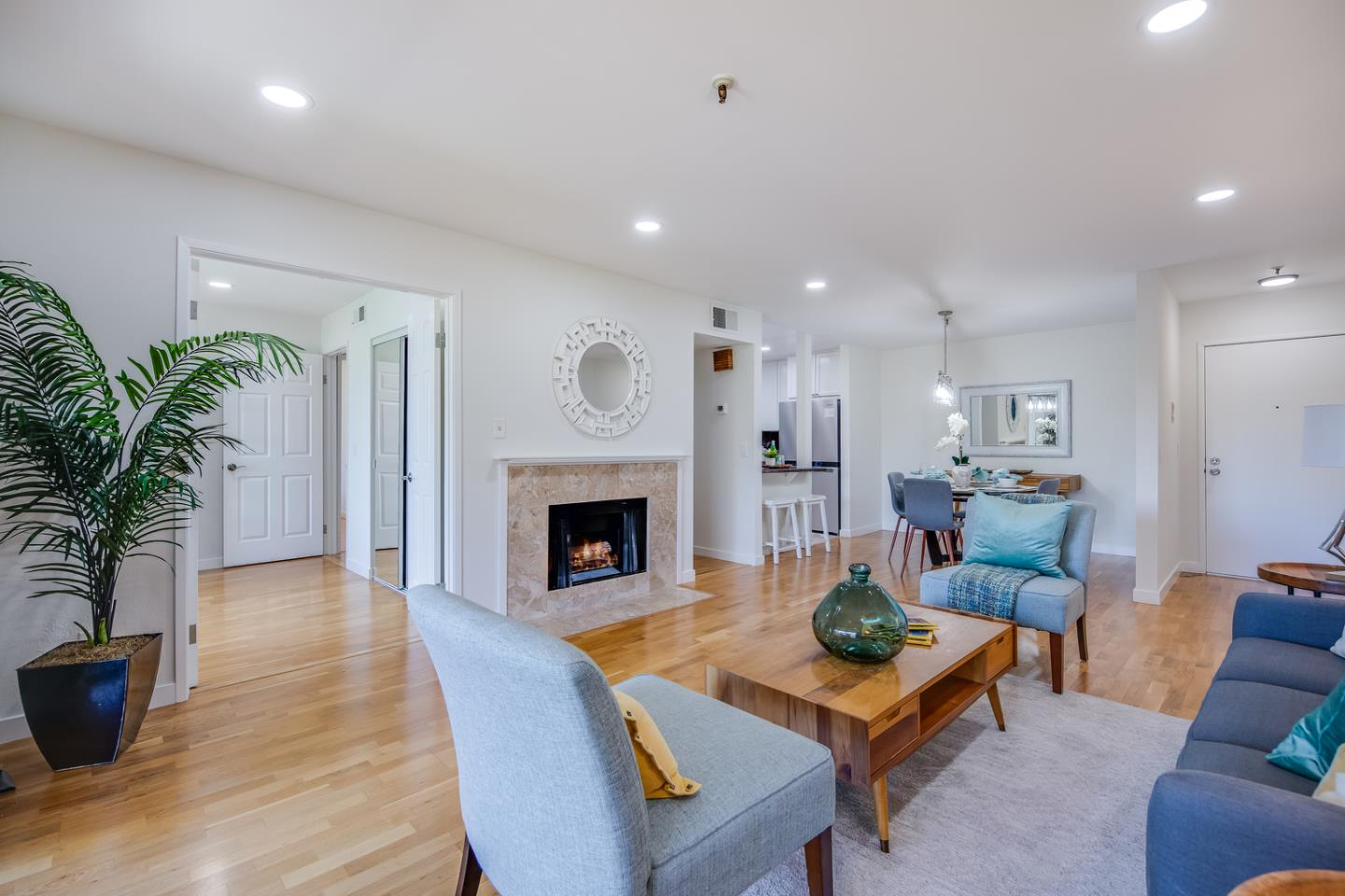Detail Gallery Image 1 of 1 For 49 Showers Dr #J318,  Mountain View,  CA 94040 - 2 Beds | 2 Baths