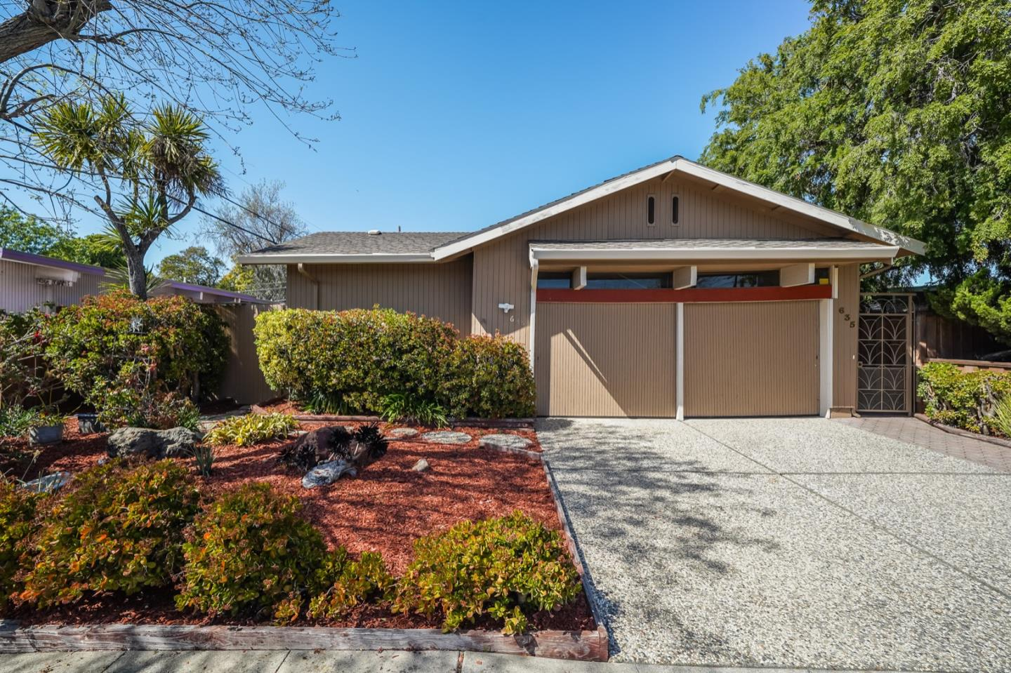 Detail Gallery Image 1 of 26 For 635 Connie Ave, San Mateo,  CA 94402 - 4 Beds | 2 Baths