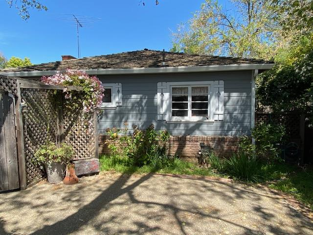 Detail Gallery Image 1 of 13 For 949 Dolores Ave, Los Altos,  CA 94024 - 3 Beds   1 Baths