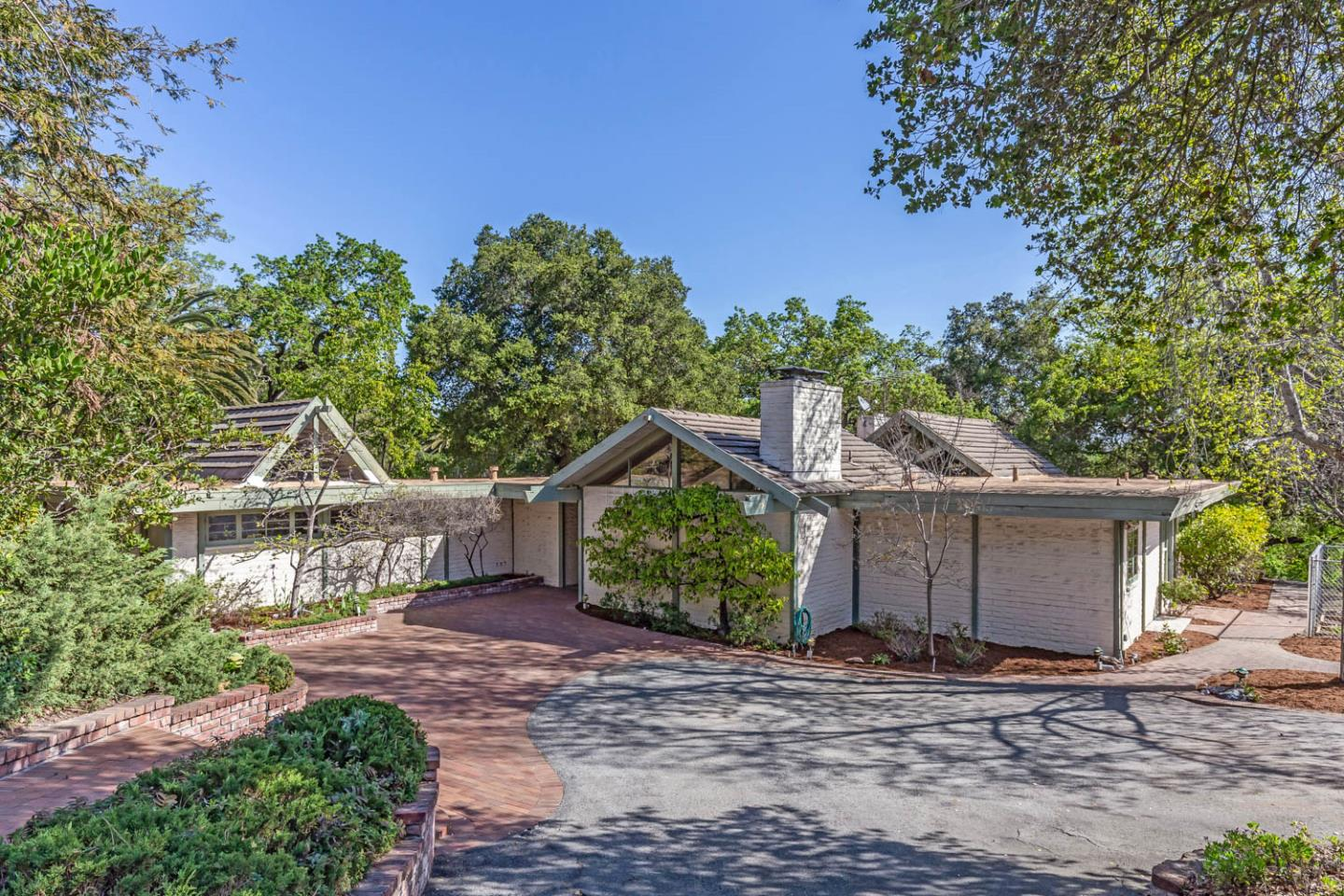 Detail Gallery Image 1 of 35 For 26987 Elena Rd, Los Altos Hills,  CA 94022 - 4 Beds | 3/1 Baths