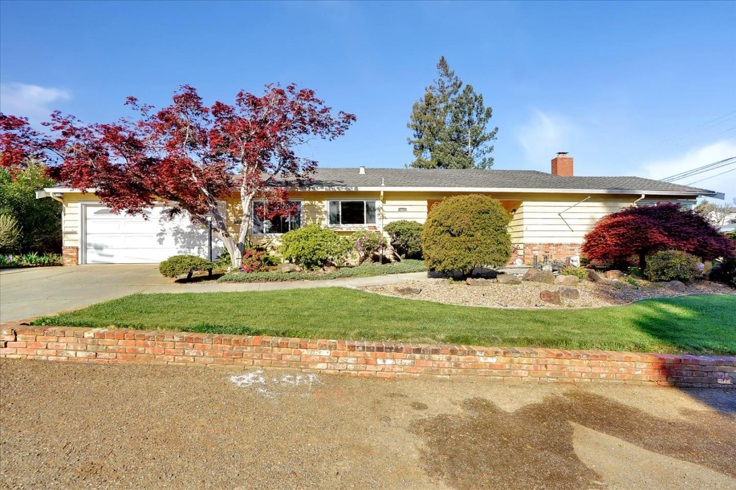 Detail Gallery Image 1 of 1 For 17459 Vineyard Rd, Castro Valley,  CA 94546 - 3 Beds | 2 Baths
