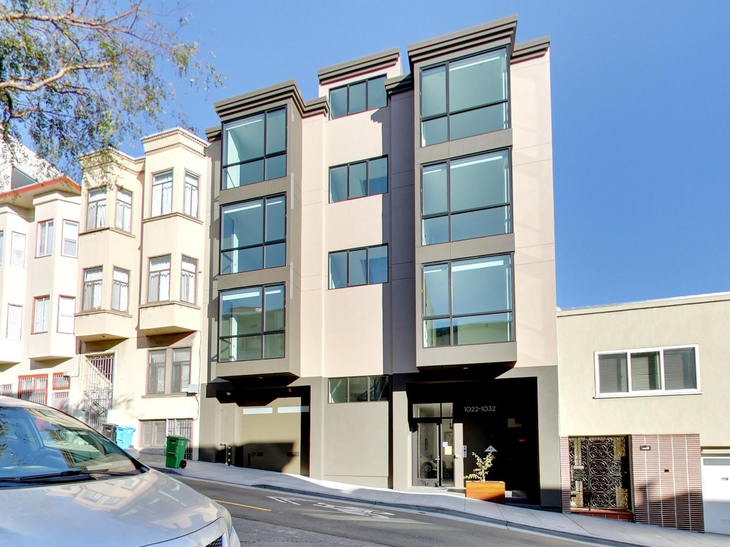 Detail Gallery Image 1 of 1 For 1032 Pacific Ave, San Francisco,  CA 94133 - 2 Beds   1 Baths