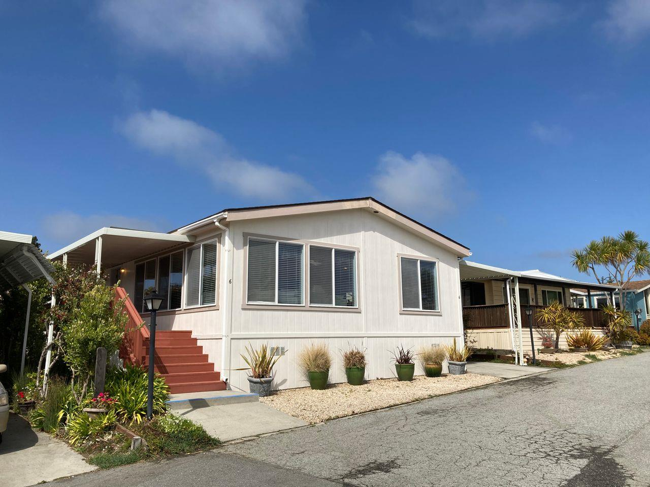 Detail Gallery Image 1 of 51 For 6 Oceanview Ave #6,  Half Moon Bay,  CA 94019 - 2 Beds   2 Baths