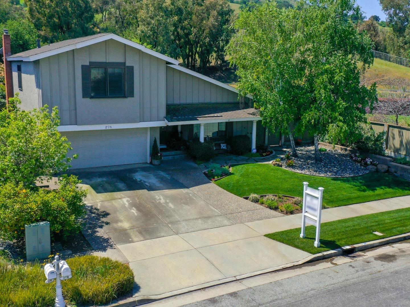 Detail Gallery Image 1 of 1 For 278 Bayliss Dr, San Jose,  CA 95139 - 4 Beds | 2/1 Baths