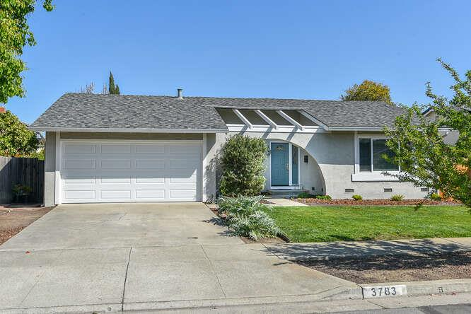 Detail Gallery Image 1 of 27 For 3783 Caravella Dr, San Jose,  CA 95117 - 4 Beds | 2 Baths