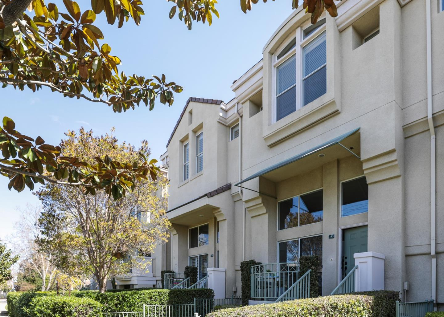 Detail Gallery Image 1 of 1 For 150 Holly Ct, Mountain View,  CA 94043 - 3 Beds | 2/1 Baths