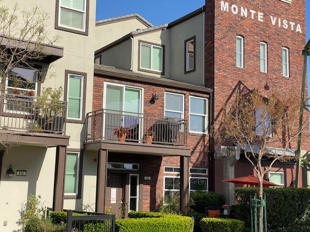 Detail Gallery Image 1 of 21 For 862 Gaspar Vis, San Jose,  CA 95126 - 2 Beds | 2/1 Baths