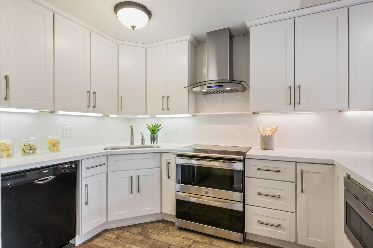 Detail Gallery Image 1 of 40 For 1061 Beach Park Blvd #107,  Foster City,  CA 94404 - 2 Beds | 2 Baths
