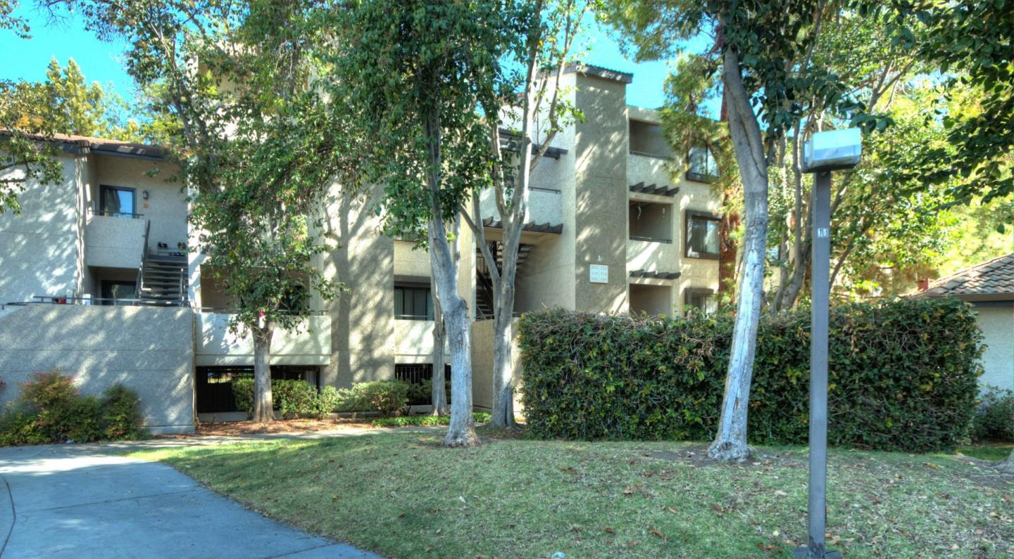 Luxury Condo for sale in the Heart of city of Sunnyvale. End Condo unit is centrally located with green view and balcony facing south on the 1st floor. Lots of amenities; pool, spa, clubhouse, gym, BBQ area, kids' play area. HOA covers water & garbage. This unit has 3 reserved parking space, 2 walk in closets, 1 sliding closet and additional storage room on a balcony. Laundry unit's is located very close this unit.