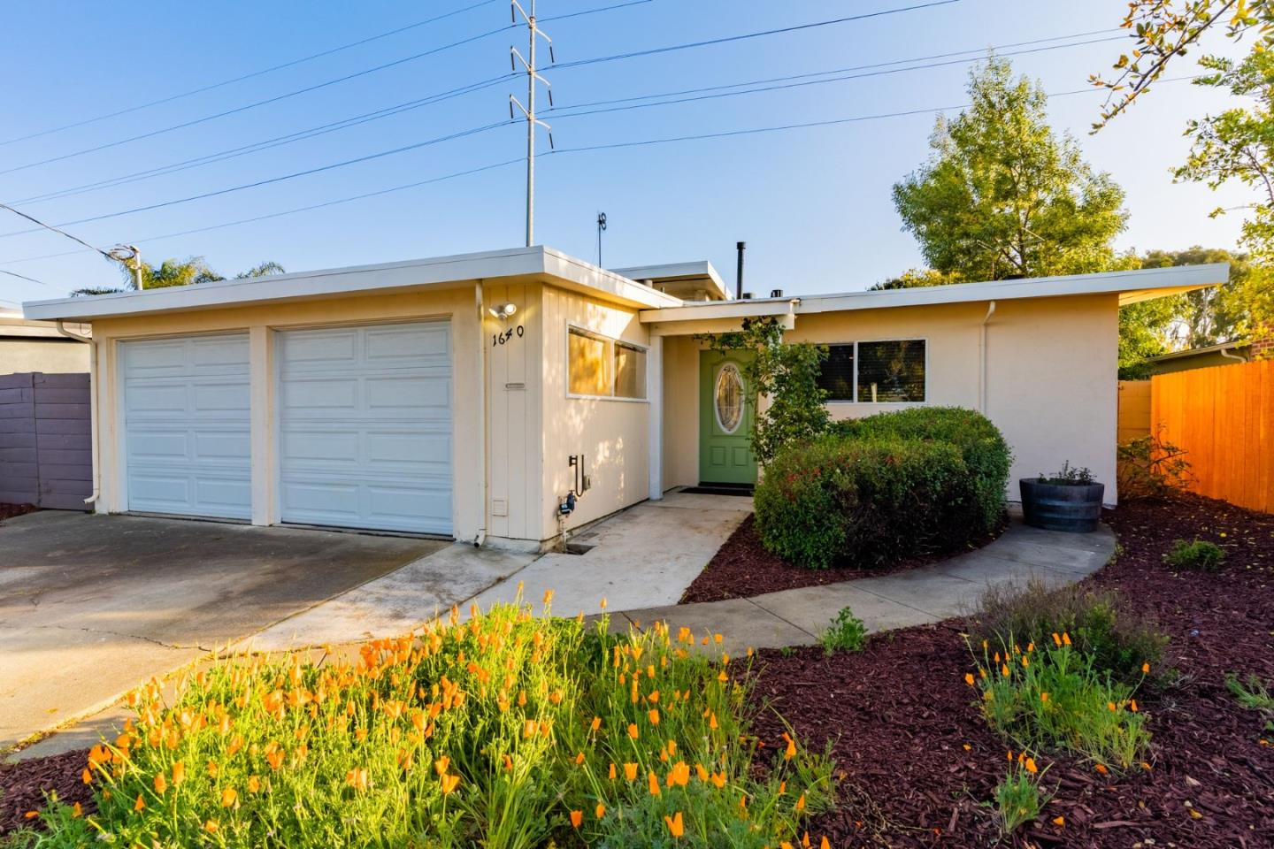 Detail Gallery Image 1 of 1 For 1640 Purdue Ave, East Palo Alto,  CA 94303 - 3 Beds | 2 Baths