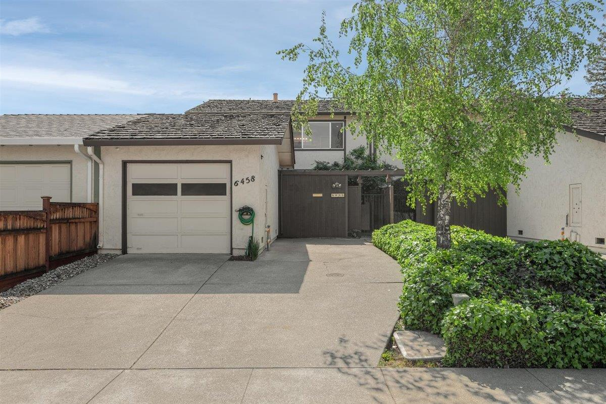 Detail Gallery Image 1 of 30 For 6458 Trinidad Dr, San Jose,  CA 95120 - 2 Beds   2 Baths