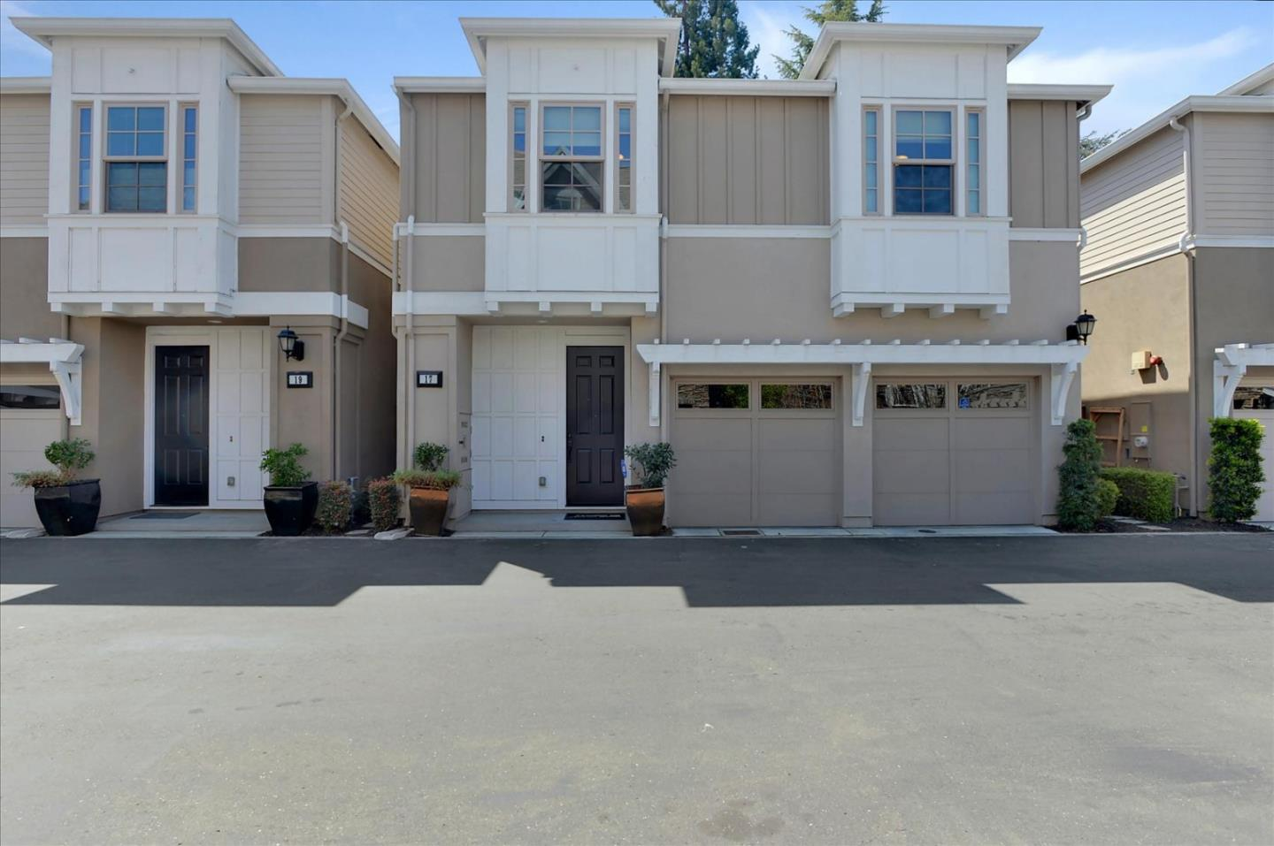 Detail Gallery Image 1 of 1 For 17 Artisan Way #17,  Menlo Park,  CA 94025 - 4 Beds | 2/1 Baths