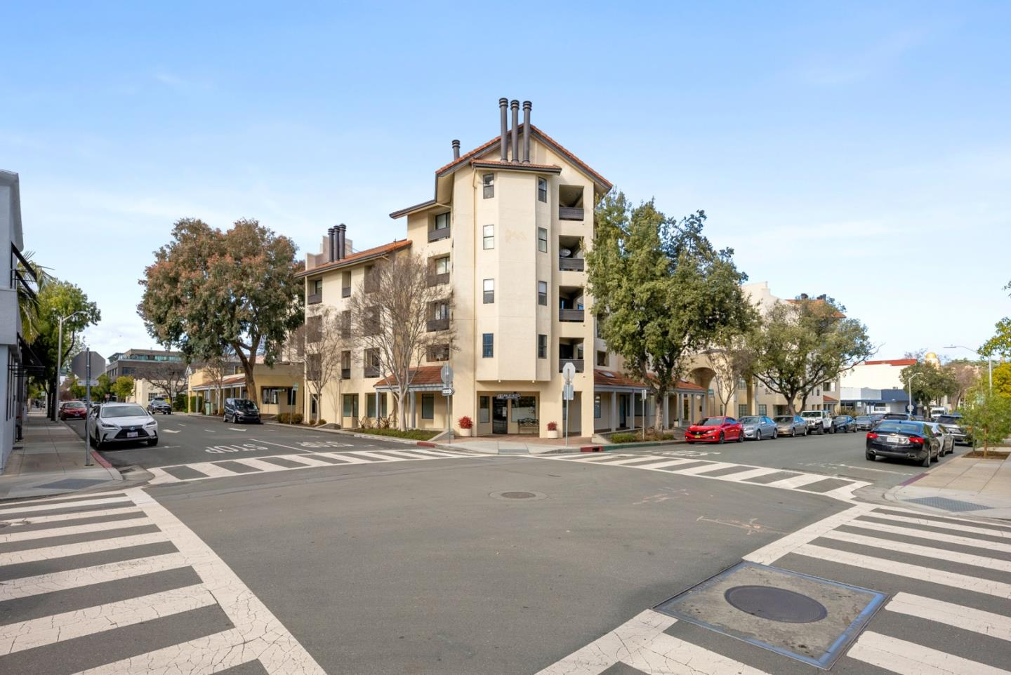 Detail Gallery Image 1 of 36 For 165 Forest Ave 2a,  Palo Alto,  CA 94301 - 2 Beds | 2 Baths