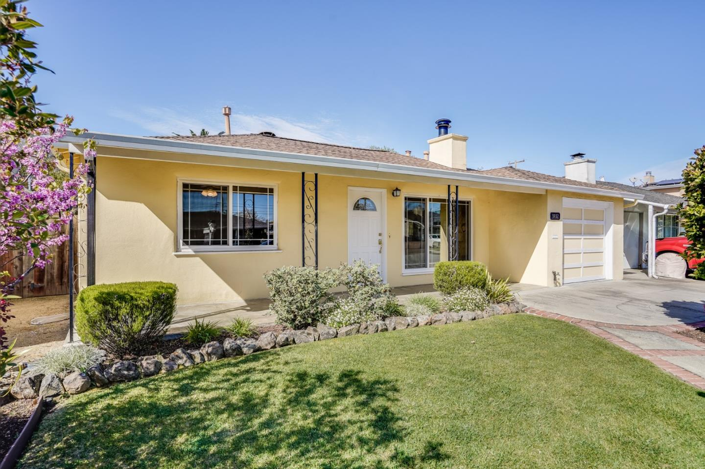 Detail Gallery Image 1 of 29 For 3932 Casanova Dr, San Mateo,  CA 94403 - 3 Beds   2 Baths
